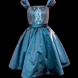 VÉRO - Robe bustier corseté en doupion de soie et incrustation de dentelle au fil d'argent.