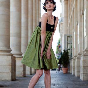 YVETTE - Robe taille empire et jupe ballon en doupion de soie.